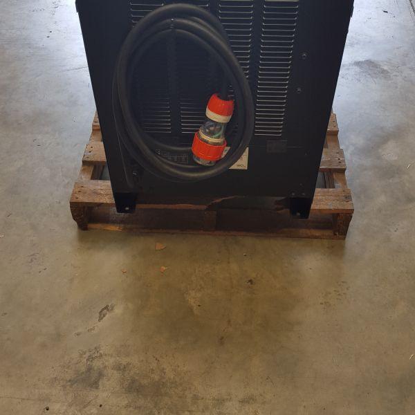 Miller Deltaweld 602 CV Welder with Hobart 22A Wire Feeder